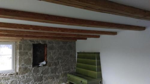 Natursteinwand / Decke